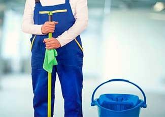 Limpeza de Pátio Escolar e Salas de Aula